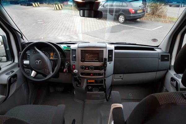 midibus-cockpit